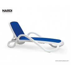 Шезлонг Alfa Bianco Blu: фото - магазин CANVAS outdoor furniture.