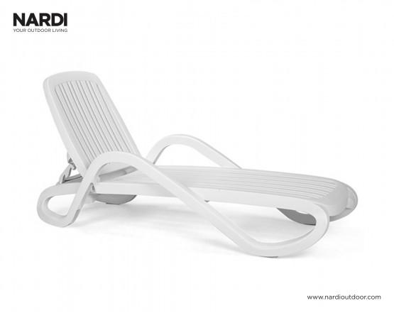 Шезлонг Eden Bianco: фото - магазин CANVAS outdoor furniture.
